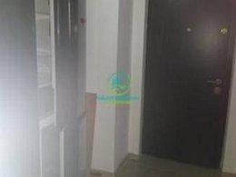 Apartament de închiriat, 3 camere, în Pitesti, zona Fratii Golesti