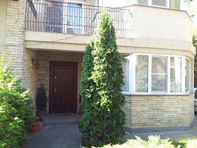 Casa de închiriat 7 camere, în Iasi, zona Centru Civic