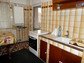 Apartament de închiriat 4 camere, în Targoviste, zona Central