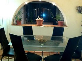 Apartament de vânzare 4 camere, în Targoviste, zona Micro 11