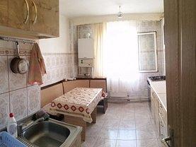 Apartament de vânzare 3 camere în Bacau, Milcov