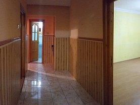 Apartament de vânzare 4 camere în Bacau, Nord