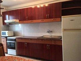 Apartament de închiriat 4 camere, în Targu Mures, zona Unirii