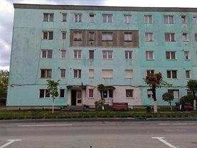 Apartament de vânzare 2 camere, în Zarnesti