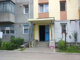 Apartament de vânzare 2 camere, în Hunedoara