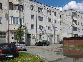 Apartament de vânzare 3 camere, în Negru Voda, zona Central