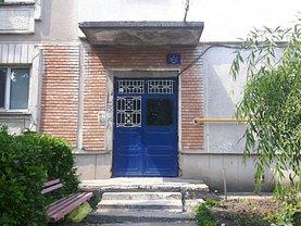 Apartament de vânzare 4 camere, în Rosiori de Vede