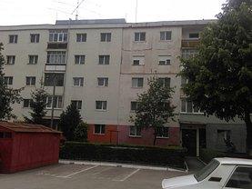 Apartament de vânzare 3 camere, în Turda