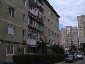 Apartament de vânzare 3 camere, în Targu-Jiu, zona Plopilor