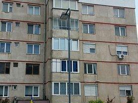 Apartament de vânzare 4 camere, în Reghin, zona Central
