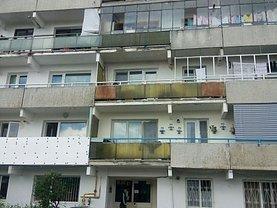 Apartament de vânzare 3 camere, în Campina, zona Central