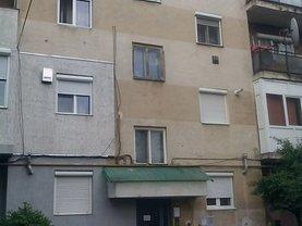 Apartament de vânzare 3 camere, în Carei, zona Central