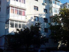 Apartament de vânzare 2 camere, în Buzau, zona Brosteni