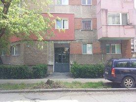 Apartament de vânzare 2 camere, în Hunedoara, zona Nord