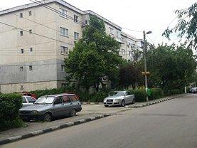 Apartament de vânzare 2 camere, în Giurgiu, zona Casa Cartii