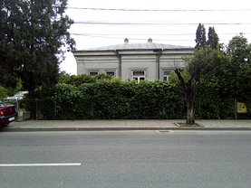 Casa de vânzare 4 camere, în Botosani, zona Central