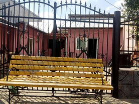 Casa de vânzare 2 camere, în Targoviste, zona Micro 2