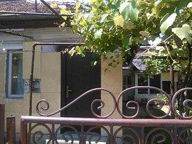 Casa de vânzare 3 camere, în Targu-Jiu, zona Central
