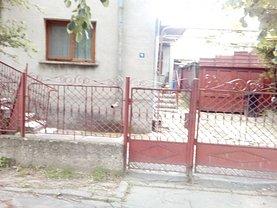 Casa de vânzare, în Ramnicu Sarat, zona Central-Piata