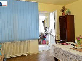 Apartament de vânzare 3 camere în Botosani, Nord-Vest