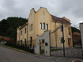 Casa de vânzare 11 camere, în Baia Mare, zona Exterior Vest