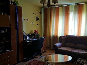 Apartament de vânzare 2 camere, în Petrosani