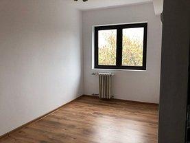 Apartament de vânzare 3 camere în Ploiesti, Democratiei