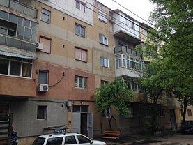 Apartament de vânzare 3 camere în Giurgiu, Tineretului