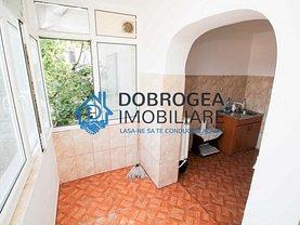 Apartament de vânzare 3 camere în Tulcea, Vest