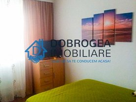 Apartament de vânzare sau de închiriat 3 camere în Tulcea, Central