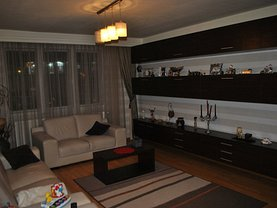 Apartament de vânzare 4 camere în Suceava, Central