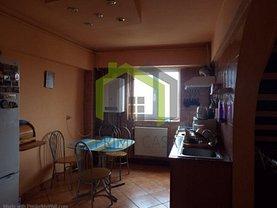 Penthouse de vânzare 4 camere în Buzau, Brosteni