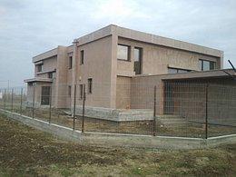 Casa de vânzare 8 camere, în Sacalaz