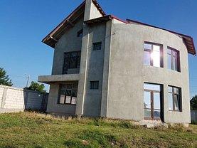 Casa de vânzare 5 camere, în Galati, zona Nord