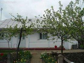 Casa de vânzare 2 camere, în Dorohoi, zona Periferie