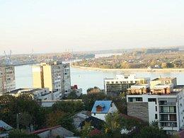 Apartament de închiriat, 3 camere, în Tulcea, zona Piata Veche
