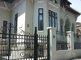 Casa de vânzare 14 camere, în Galati, zona Central