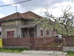 Casa de vânzare, 4 camere, în Voinesti