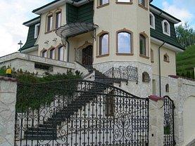 Casa de vânzare 6 camere, în Pucioasa, zona Central