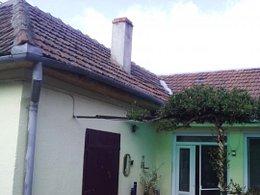 Casa de vânzare 4 camere, în Oradea, zona Nufarul
