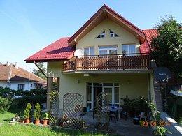 Casa de vânzare, 5 camere, în Hunedoara, zona Sud