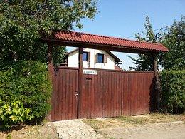 Casa de vânzare, 5 camere, în Tuzla