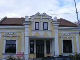 Casa de vânzare 14 camere, în Suceava, zona Central