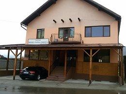 Casa de vânzare 8 camere, în Zarnesti, zona Central