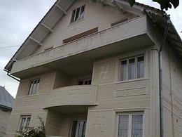 Casa de vânzare 12 camere, în Radauti, zona Nord-Vest