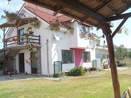 Casa de vânzare 8 camere, în Hunedoara, zona Nord