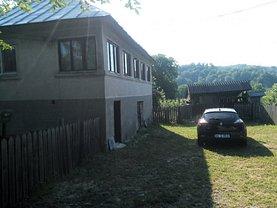 Casa de vânzare 2 camere, în Campulung-Muscel, zona Periferie