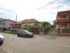Casa de vânzare 4 camere, în Oradea, zona Rogerius