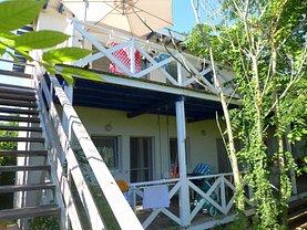 Casa de vânzare 6 camere, în 2 Mai, zona Sud