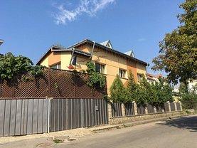 Casa de vânzare 6 camere, în Botosani, zona Central